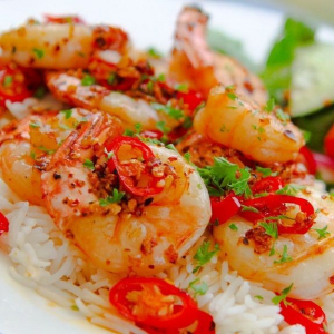 S9. Spicy Chilli Garlic Prawns