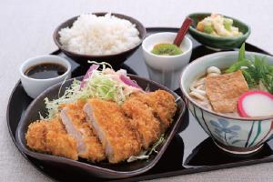 Katsu Don Set (1210 kcal)
