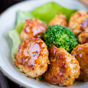 A9 Japanese Chicken Balls (6 pcs)
