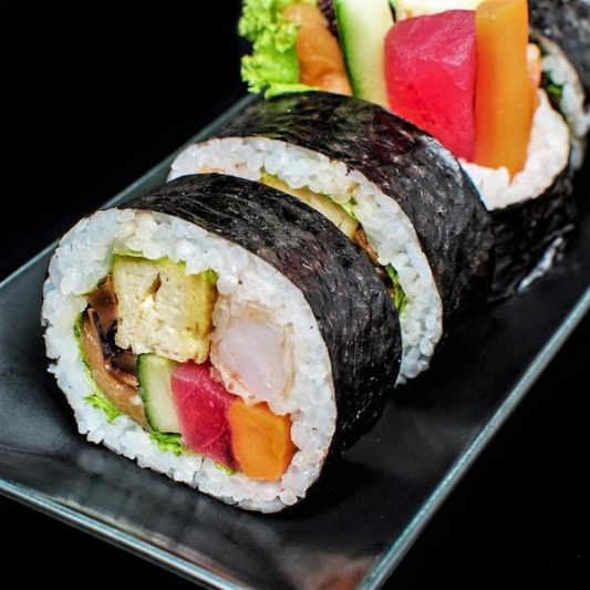 M6 Big Roll Futo Maki