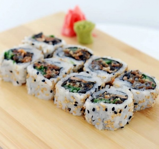 M5 B.B.Q. Salmon Skin Roll