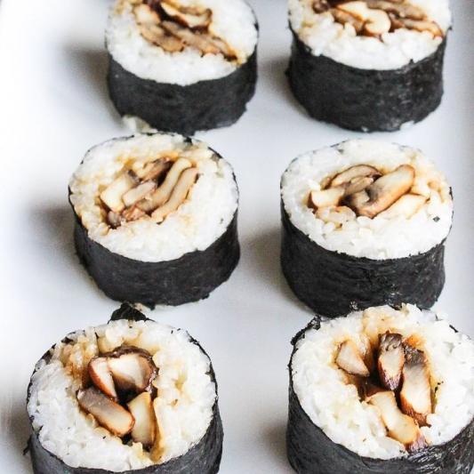 M54 Shiitake Mushroom Roll
