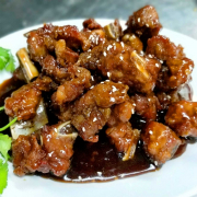 T7. Honey Garlic Spareribs