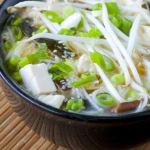 S6. Seaweed Tofu & Shredded Pork Soup