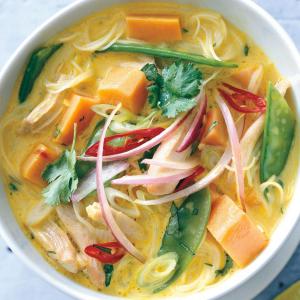 D7. Sweet Potato Noodle in Chilli & Sour Sauce
