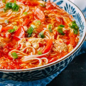 D8. Tomato & Egg with Noodle Soup