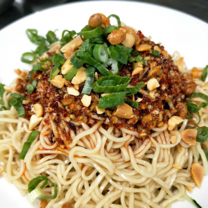 D6. Szechuan Style Cool Noodle with Special Spicy Sauce
