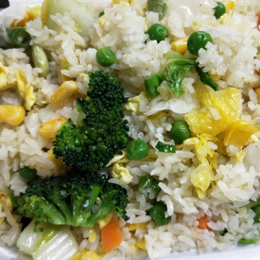 R4. Mixed Vegetable & Egg Fried Rice