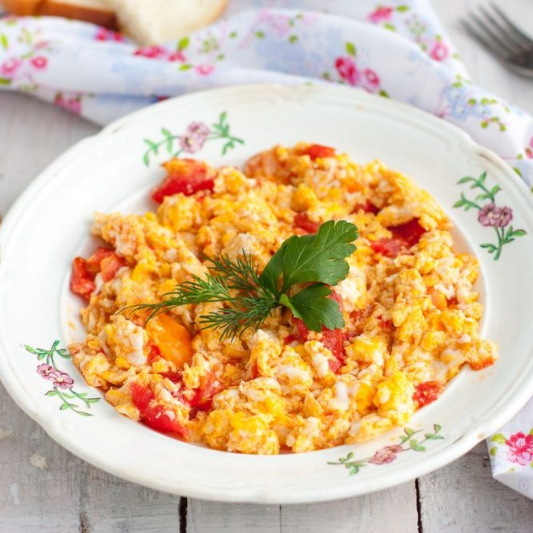 R10. Egg & Tomato with Steamed Rice