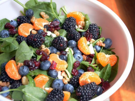 Spinach Goat Cheese Salad With Fruit