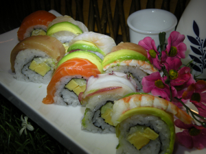 Rainbow Roll (8 pcs)