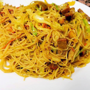 25. Curry Fried Rice Noodles