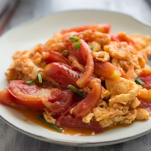 Stir-Fried Tomatoes and Egg