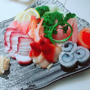 Assorted Sashimi (22 pcs)
