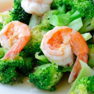 504. Garlic Prawns with Broccoli