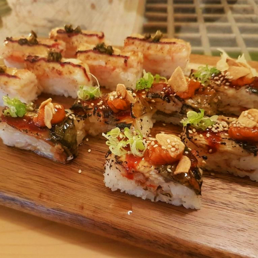 Unagi Aburi Oshi Sushi