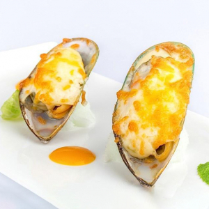 T27. Cheese Baked Mussels (6 pcs)