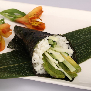 H23. Avocado Cucumber Hand Roll (1 pc)