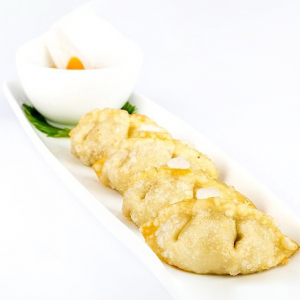 T24. Grilled Pork Dumpling (6 pcs)