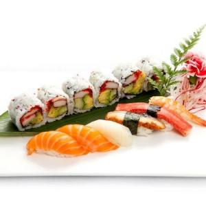 P7. Sushi Combo A (12 pcs)