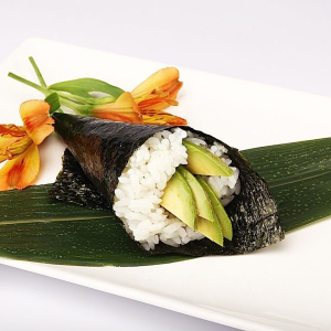 H22. Avocado Hand Roll (1 pc)