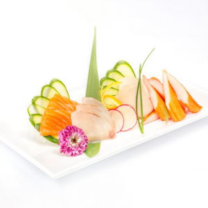 P10. Sashimi Set (15 pcs)