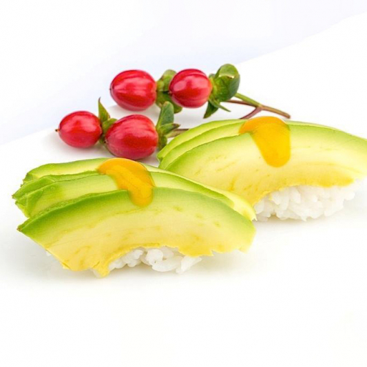 B16. Avocado Sushi (2 pcs)