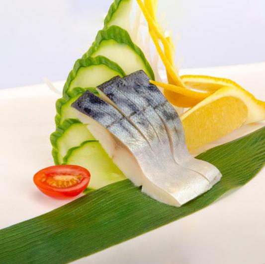 B25. Mackerel Sashimi (3 pcs)