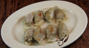 6. 鍋貼 Pan Fried Pot Stickers (8 pcs)