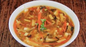14. 酸辣湯 Hot & Sour Soup