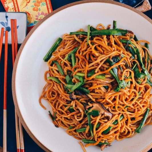 236. Stir Fried Yee Mein with Mushroom and Greens