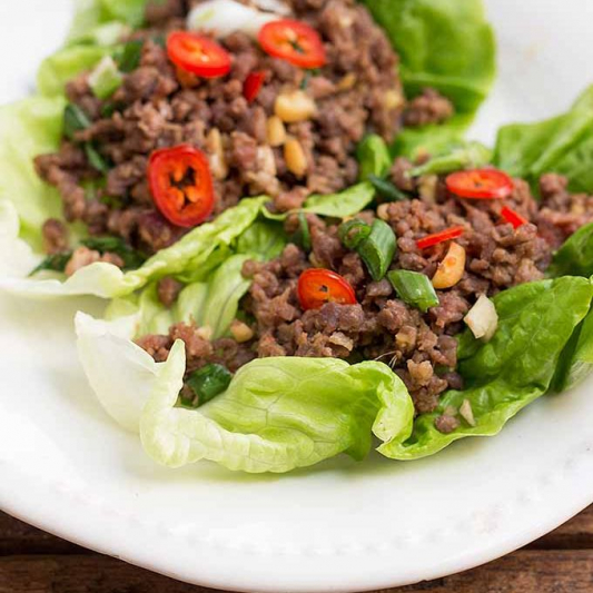 66. Minced Beef with Lettuce Wrap