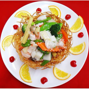 Sauteed Mixed Seafood in a Bird's Nest - To Chim Do Bien