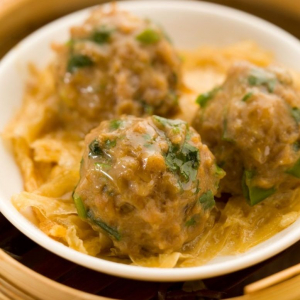 5. Steamed Beef Balls with Bean Curd Skin