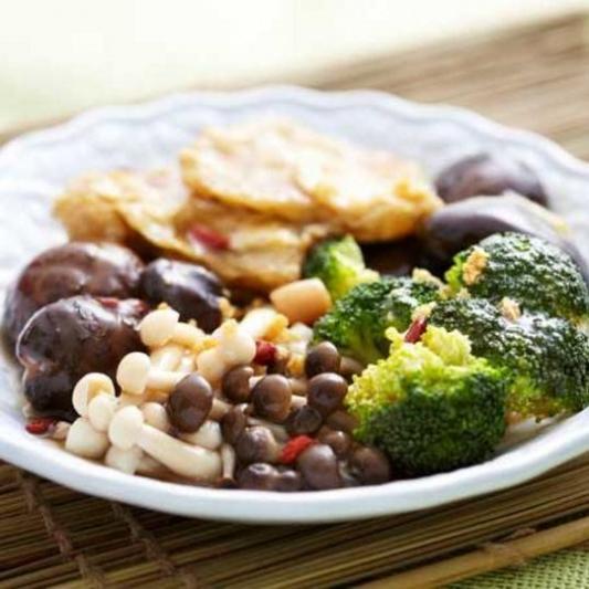 Braised Mushrooms with Seasonal Veggies - Nam Xao Cai Lan