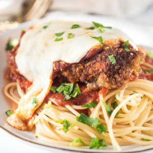 Veal Parmigiana with Spaghetti & Garlic Toast