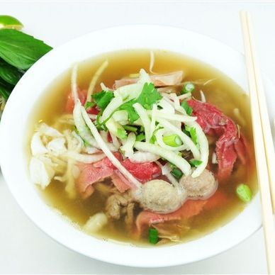 P5. Rare Beef and Beef Balls with Rice Noodle Soup