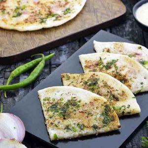 Cheese Garlic Uthappam