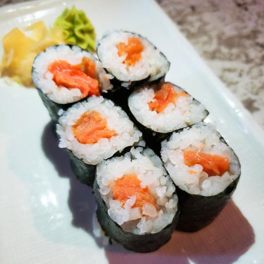 Smoke Salmon Roll