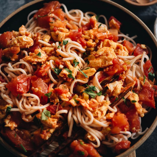 Tomato and Egg Noodles