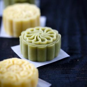 144. Shanghai Green Bean Cakes (4 pcs)