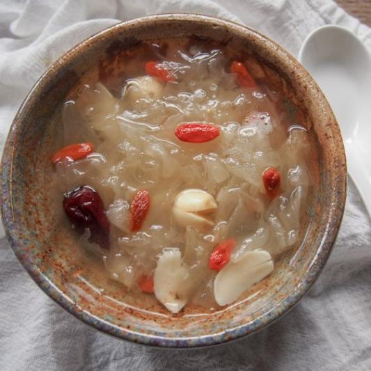141. White Fungus with Goji Berry