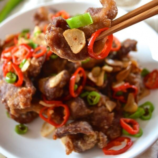 7. Deep-Fried Pork Strips with Salty Chilli Peppers