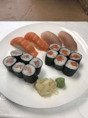 Tuna & Salmon Combo (16 pcs)
