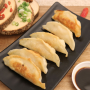 511. Chicken Pan-Fried Dumpling	鸡肉煎饺	(6 pcs)