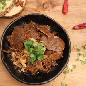 501. Spicy Sichuan Sliced Beef 夫妻肺片