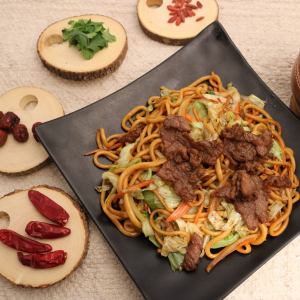 305. Beef Chow Mein 牛肉炒面