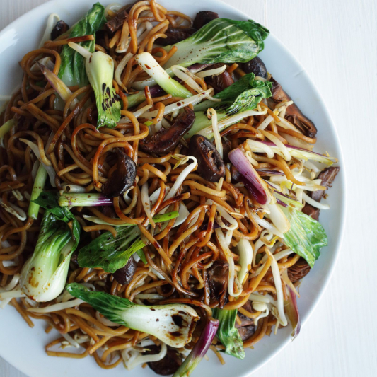 Stir Fried Noodle, Been Sprout and Onion